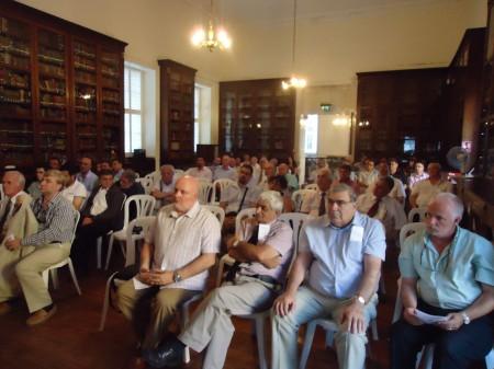 Público asistente a la conferencia en la Garrison Library.
