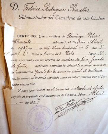Certificado de inhumación de uno de los fusilados.