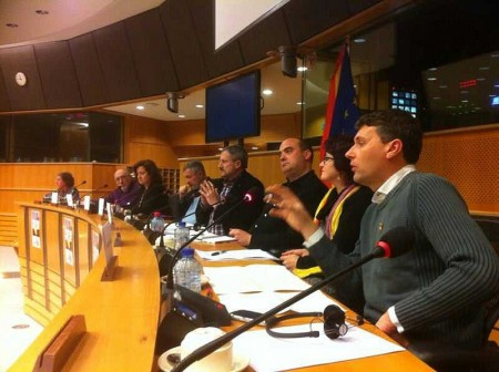 Fran Gómez, del Foro por la Memoria del Campo de Gibraltar, durante su intervención en el Parlamento europeo, en Bruselas.