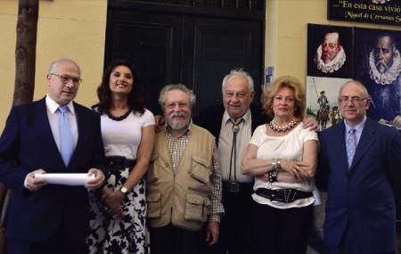 Enrique Tierno Pérez-Relaño, con otros miembros de su candidatura.