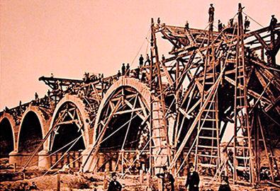 Construcción del Puente Ferroviario de los Franceses, en Madrid.
