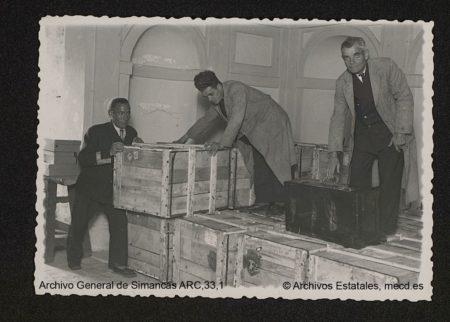 Llegada a Simancas el 6 de noviembre de 1942 de 17 cajones de documentos procedentes de París.