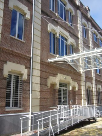 Fachada del Archivo General de la Defensa.