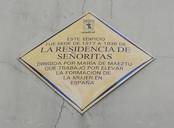 Placa de la Residencia de Señoritas