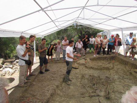 Exhumación de asesinados en una fosa común en El Marrufo (término de Jerez de la Frontera).