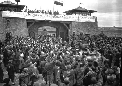 Prisioneros liberados del Campo de concentración de Mauthausen / Cpl Donald R. Ornitz, US Army