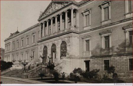 Fotografía antigua de la Biblioteca Nacional, en Madrid.